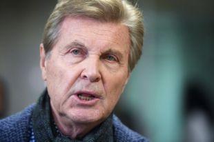Концертный директор Лещенко сообщил, что артист находится в реанимации