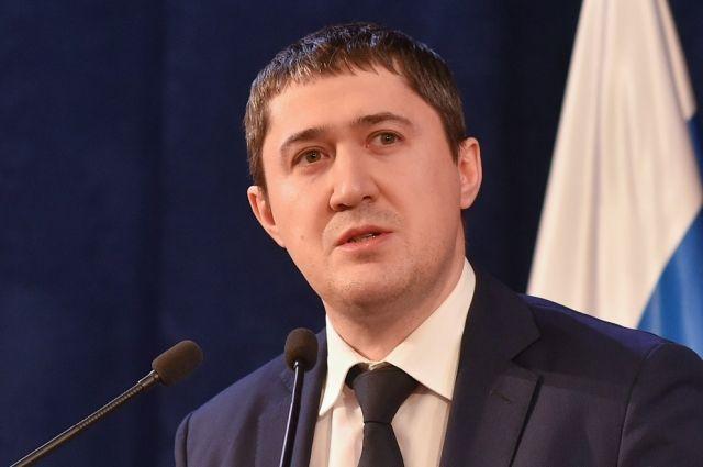 Эксперты отметили его заботу о трудовых коллективах и строгость с чиновниками.