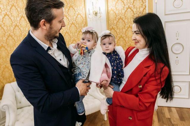 Для тюменских мам с первого февраля размеры пособий выросли на 3%
