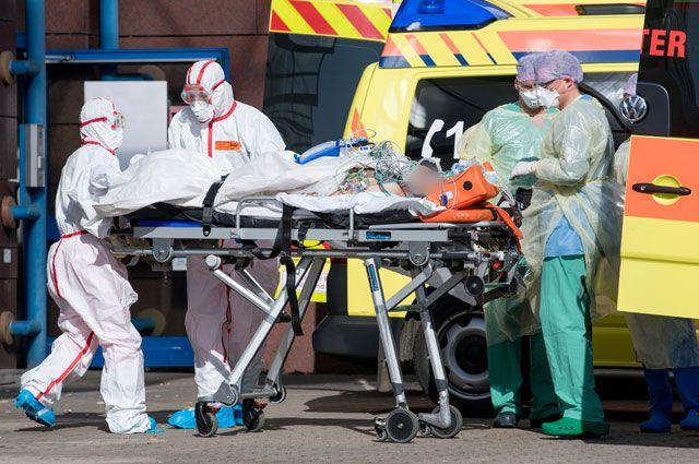 Боялась, что заразила других. В Италии врачи уходят из жизни из-за COVID-19