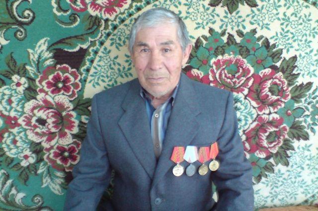 Владимир Фёдорович Каюмба во время войны был подростком.