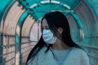"""Зараженная коронавирусом женщина останавливалась в """"Толмачево"""", после чего села в самолет на Иркутск."""