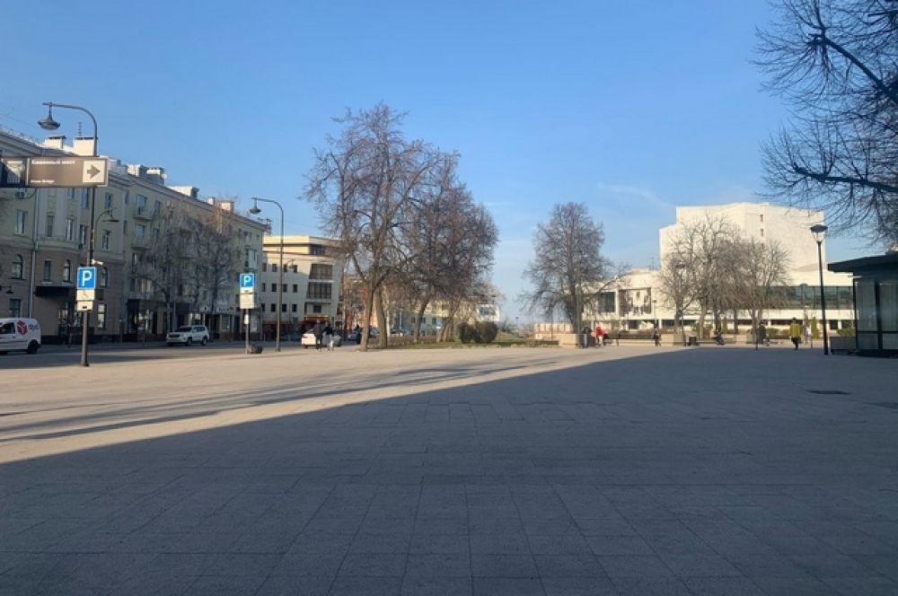 На Советскую площадь мало кто пришел в субботу.