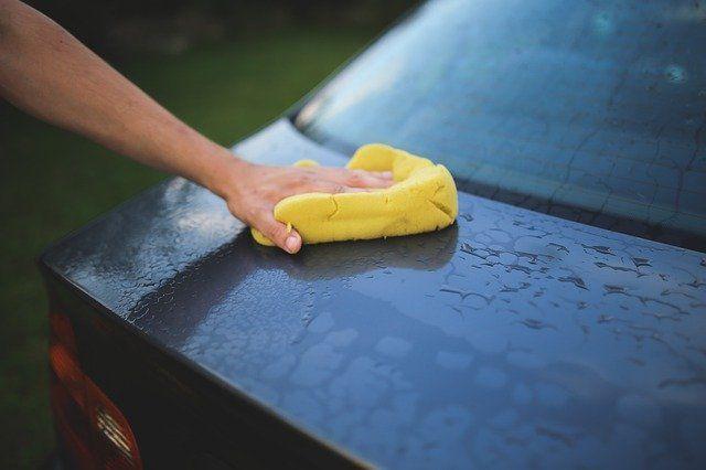 Тюменцам рассказали, как правильно мыть машину