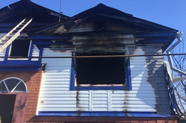 Площадь возгорания составила 120 кв.м.