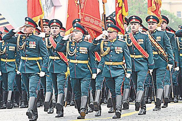 Подготовка к параду Победы в Западном военном округе ведется как обычно, пока никаких распоряжений по отмене мероприятия не было.