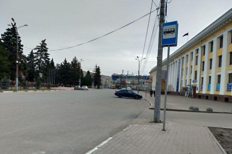 Центр Автозаводского района в Нижнем Новгороде непривычно пуст.