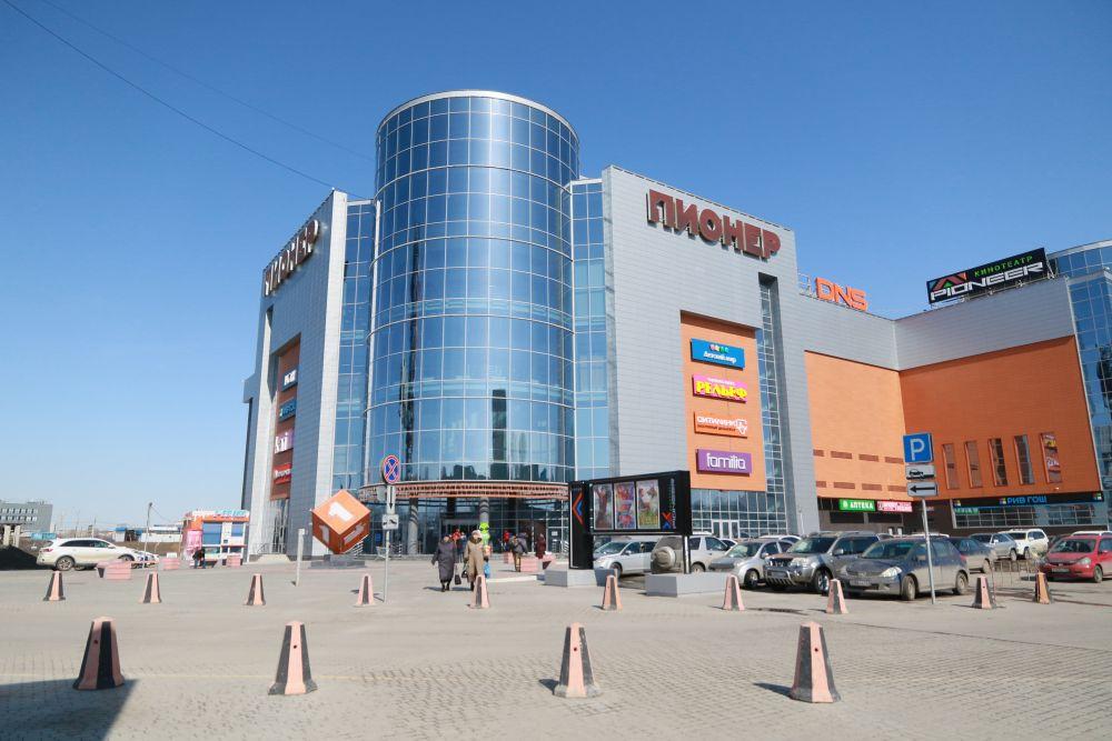 Один из самых популярных ТЦ Барнаула - «Пионер» - перестает быть точкой притяжения горожан.