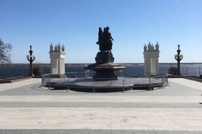 Центральная набережная Волгограда - обычно место притяжения жителей всех районов.