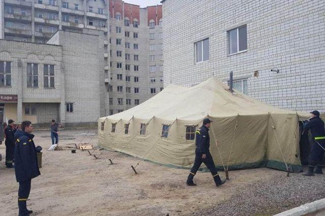 В Украине начали работу первые пункты сортировки больных коронавирусом