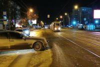 45-летний пассажир трамвая получил серьезные травмы и скончался в больнице.