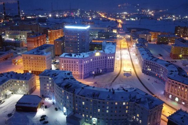 На целый час город и производственные  площадки погасили подсветку.