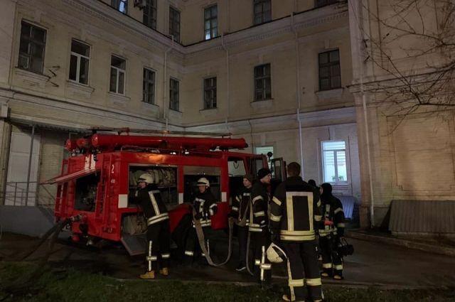 В Киеве произошел пожар в больнице: эвакуировали 13 пациентов