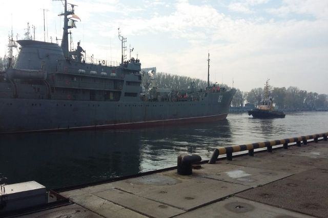 Плавмастерская ПМ-82 возвращается в Балтийск из Средиземного моря