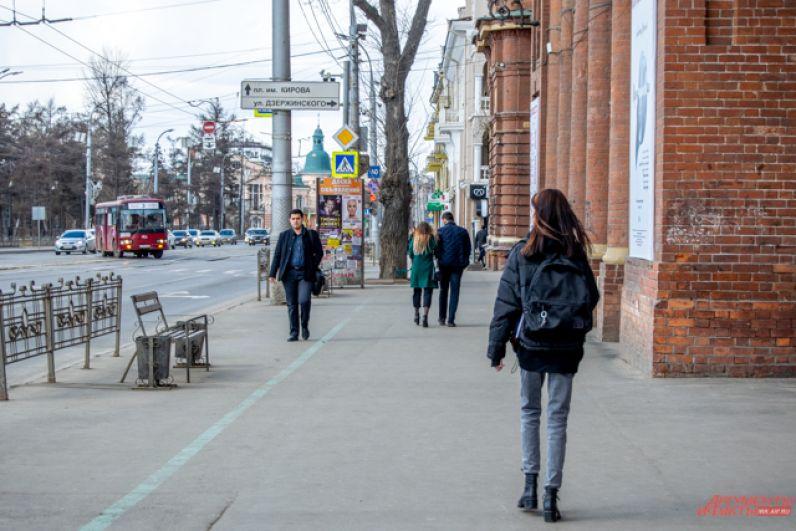 Самое большое количество людей можно встретить рядом с автобусными остановками.