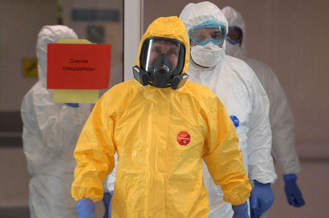 На минувшей неделе президент Путин неожиданно приехал в больницу в Коммунарке, где находится Московский карантинный центр по борьбе с коронавирусом.