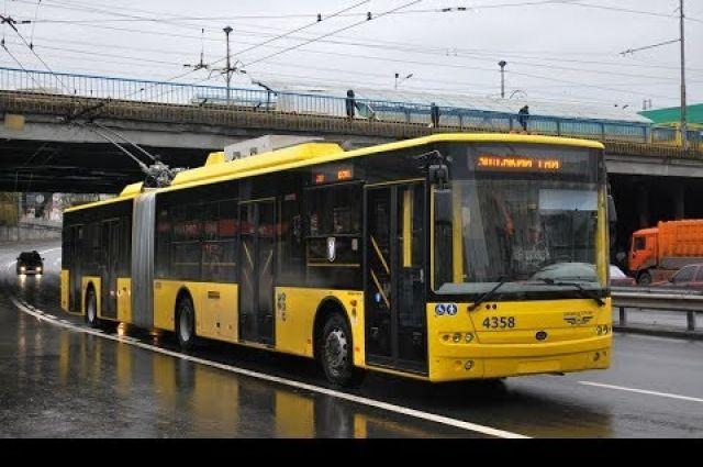 В Киеве изменили график движения на спецмаршрутах общественного транспорта
