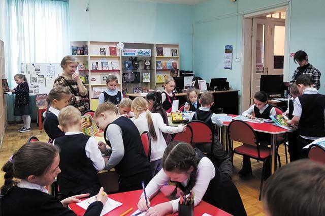 Ежегодно школа принимает участие более чем в десяти конкурсах.