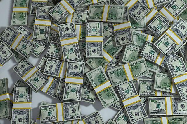 Курс валют на 1 апреля: доллар и евро резко подешевели