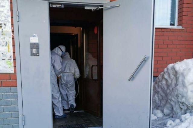 В Калининграде началась дезинфекция подъездов многоквартирных домов