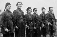 В действующую армию просились многие девушки, но брали не всех.