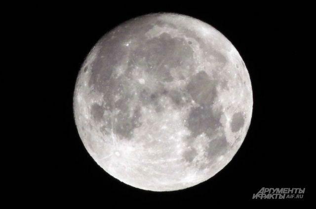 Телескопы будут направлены на Луну.
