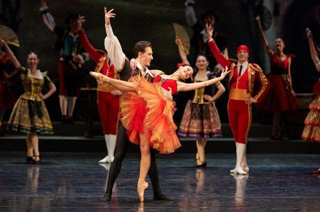Иркутский музтеатр покажет шесть балетных постановок онлайн.