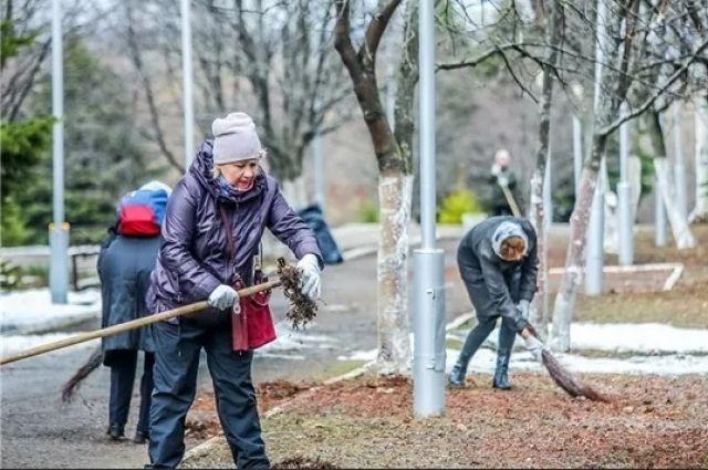 По окончании угрозы COVID-19 мэр призвал всех выйти на уборку города.