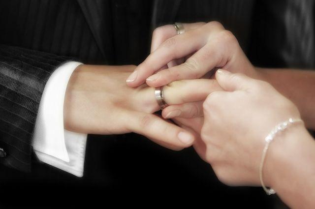 В Удмуртии из-за коронавируса отменены регистрации браков на 2 месяца