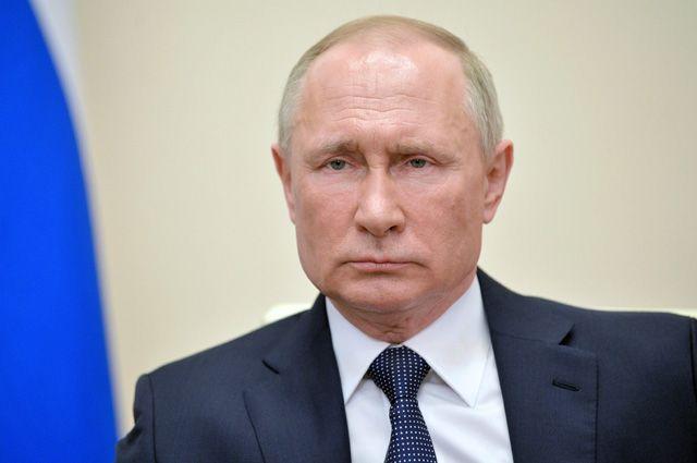2 апреля 2020. Президент РФ Владимир Путин во время обращения к гражданам из-за ситуации с угрозой распространения коронавирусной инфекции.