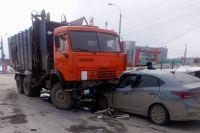 В результате ДТП пострадали оба водителя. Их отвезли в больницу Березников. По факту ДТП проводится проверка.