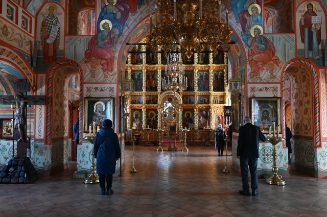 В РПЦ призвали верующих готовиться к трансляции службы на Пасху