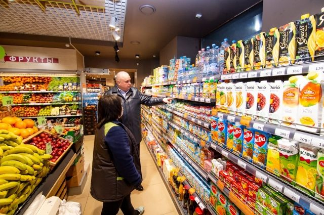 Сергей Цивилев лично прошелся по магазинам и проверил наличие продуктов на полках.