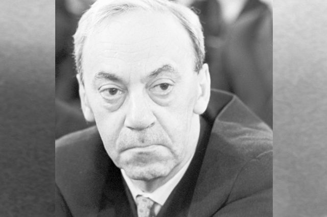 Писатель, драматург и публицист Юрий Павлович Герман. 1965 год.