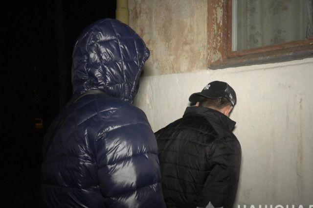 Поймали с поличным: в Сумах полиция разоблачила группу квартирных воров