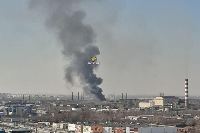 Дым от пожара был виден практически из всех районов города.