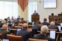 Ежегодный отчёт губернатора Красноярского края перед Законодательным собранием в этом году проходил в непростой обстановке.