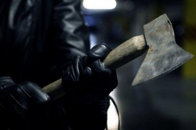 В Житомирской области сын во время ссоры избил своих родителей топором