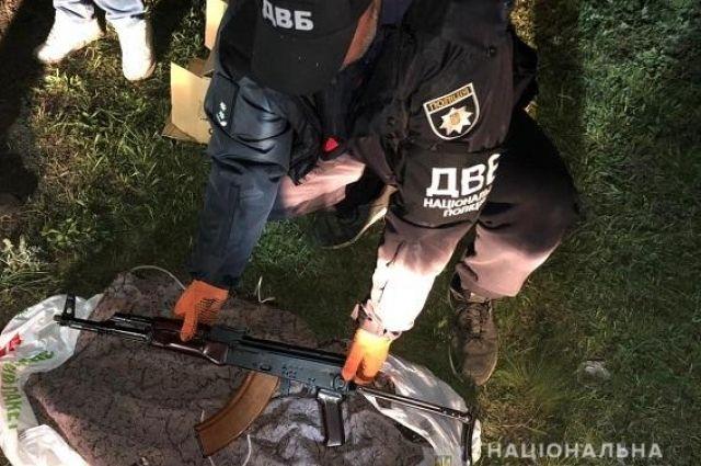 В Днепропетровской области бывший сотрудник полиции торговал оружием