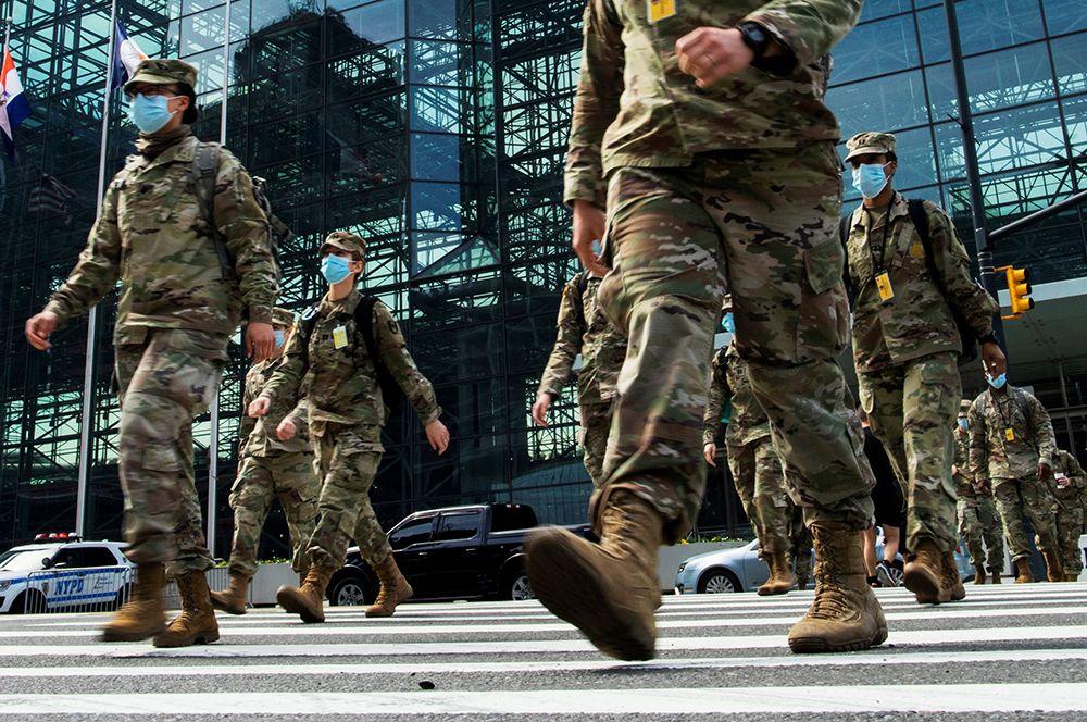 Национальная гвардия США на улицах Нью-Йорка.