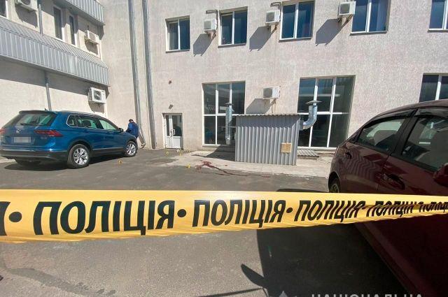 В центре Николаева во время стрельбы ранили бизнесмена: подробности