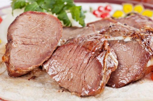 Готовим мясо к Пасхе: рецепт сочной и ароматной буженины «по-домашнему»