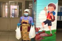 В школах Тюменской области выдали более 30 тысяч продуктовых наборов