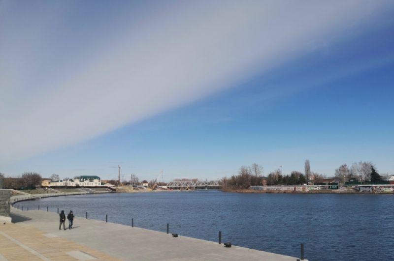 Набережная. Вид на Бакунинский мост.