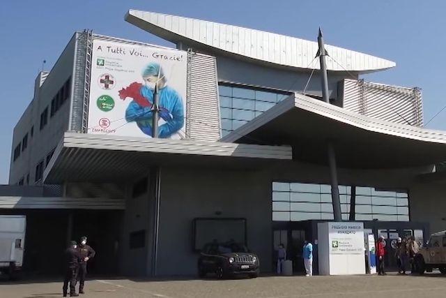 ВИталии русские  медперсонал  приняли первых больных скоронавирусом