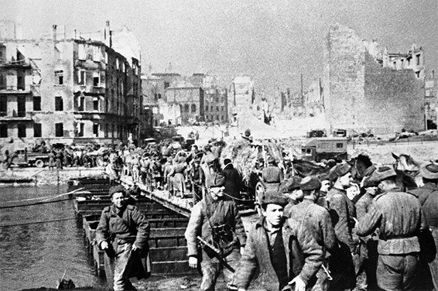 Советские войска занимают город Кёнигсберг. 9 апреля 1945 г.