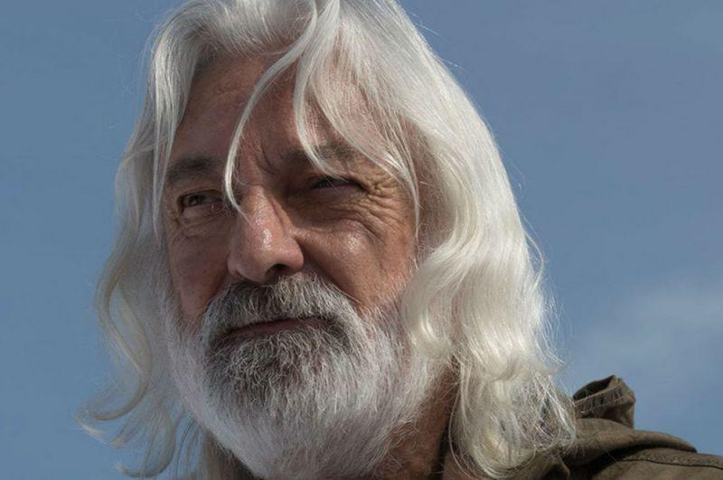 На 77-м году жизни умер британский актер Эндрю Джек. Он работал тренером по диалектам, ставил актерам нужное произношение. Среди фильмов, в создании которых он принимал участие, числятся «Индиана Джонс», «Властелин колец», «Бэтмен: Начало», «Шерлок Холмс»,«Стражи галактики», В фильмах «Звездных войн» Джек также сыграл небольшую роль одного из повстанцев — капитана (потом генерала) Эммета.