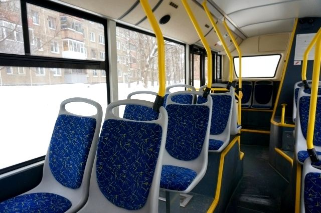 Для сотрудников Краевого перинатального центра были организованы два отправления автобуса №33, для сотрудников завода «ПНОС» и ТЭЦ-9 был возвращен к расписанию буднего дня трамвайный маршрут №2 «станция Осенцы – Стахановская».