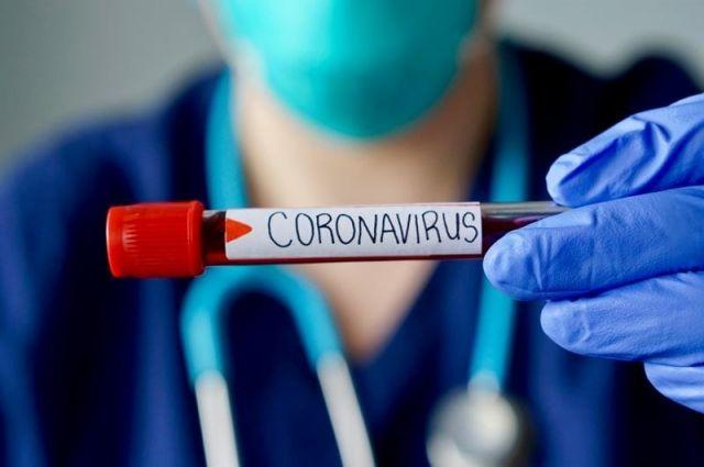 Заражена вирусом вся семья - четверо взрослых и четверо детей от 8 месяцев до 12 лет.