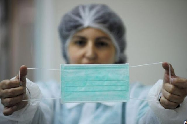 «За нарушение — штраф»: в Украине хотят проверять аптеки на наличие масок